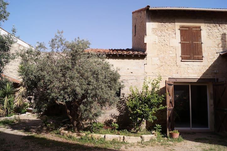 Chambres d'hôtes Gard Provence - Bellegarde - Pousada