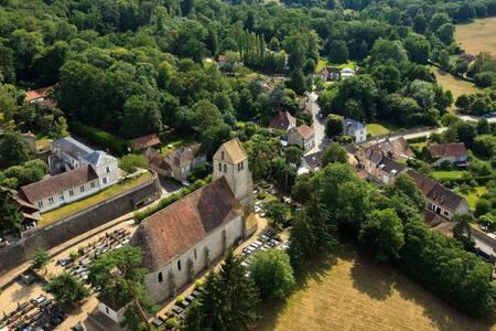 Bedroom and commun garden near to Versailles