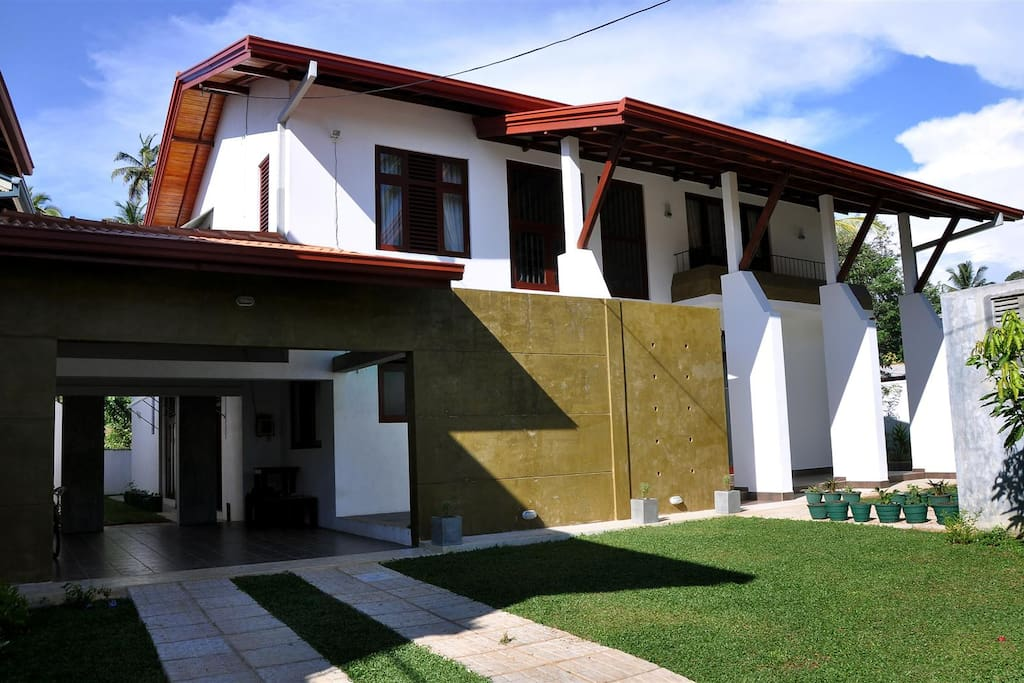 Brand new Five A/C Bedrooms Huge Villa with Private Garden. Perfect for your Holiday in Hikkaduwa, Sri Lanka