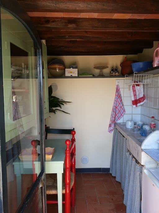 the lovely tiny kitchen at disposal of our guests