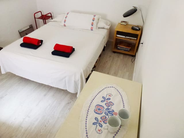 Barefoot in the park-Pets accepted - Barcelona - Bed & Breakfast