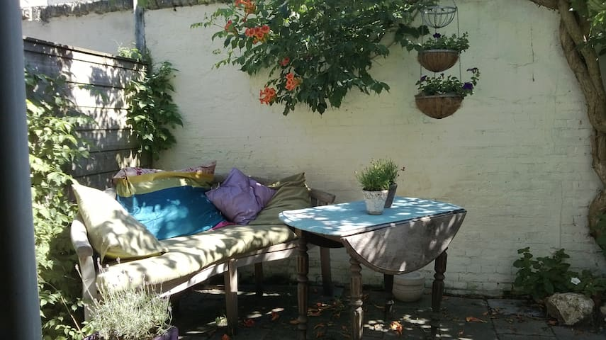 Spacious apartment with garden - Lahey - Daire