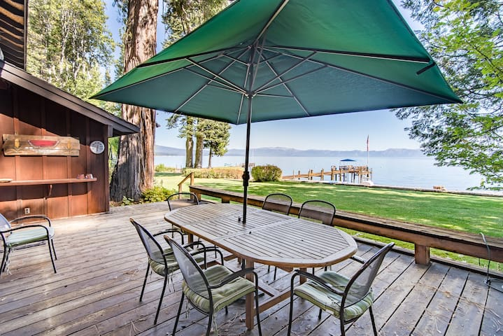 Two Lakefront Homewood Cabins - Homewood - Chatka