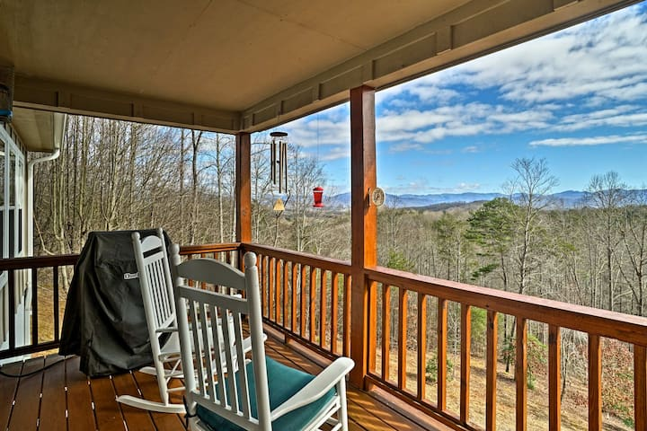 NEW! 4BR Hayesville House w/Mtn Views & Fire Pit!