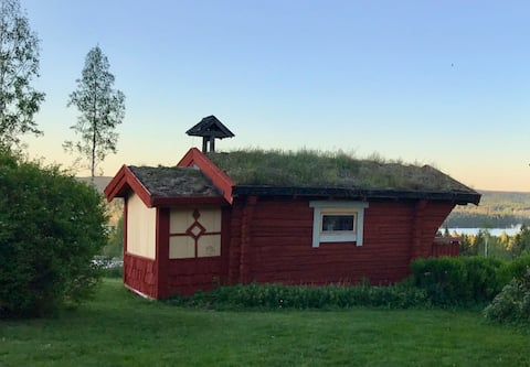 Oma mökki, josta on näkymät Väsman-järvelle