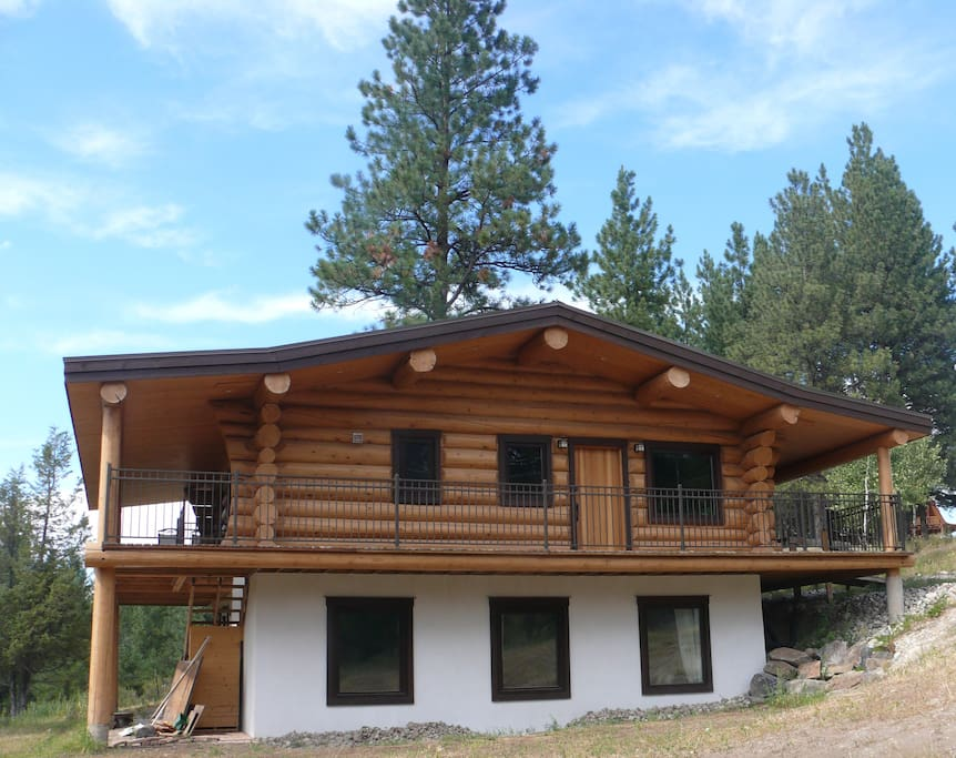 beautiful log chalet near fernie bc cabins for rent in