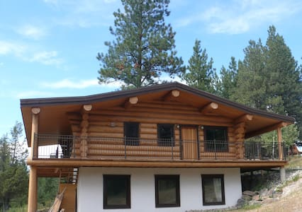 Beautiful log chalet near Fernie BC - Jaffray - Srub