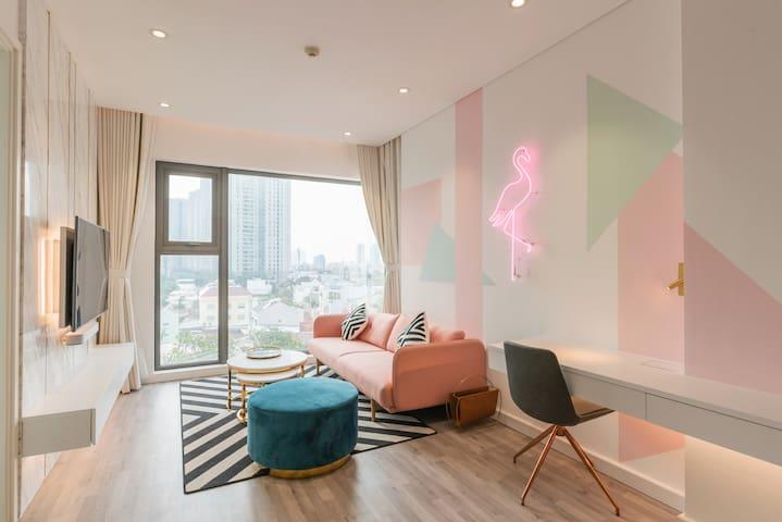 Luxury Tropical 1 BR w/ City Views in Gateway
