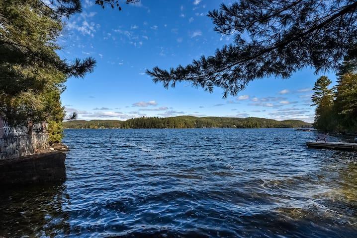 Chalet sous les pins au Lac l'Achigan