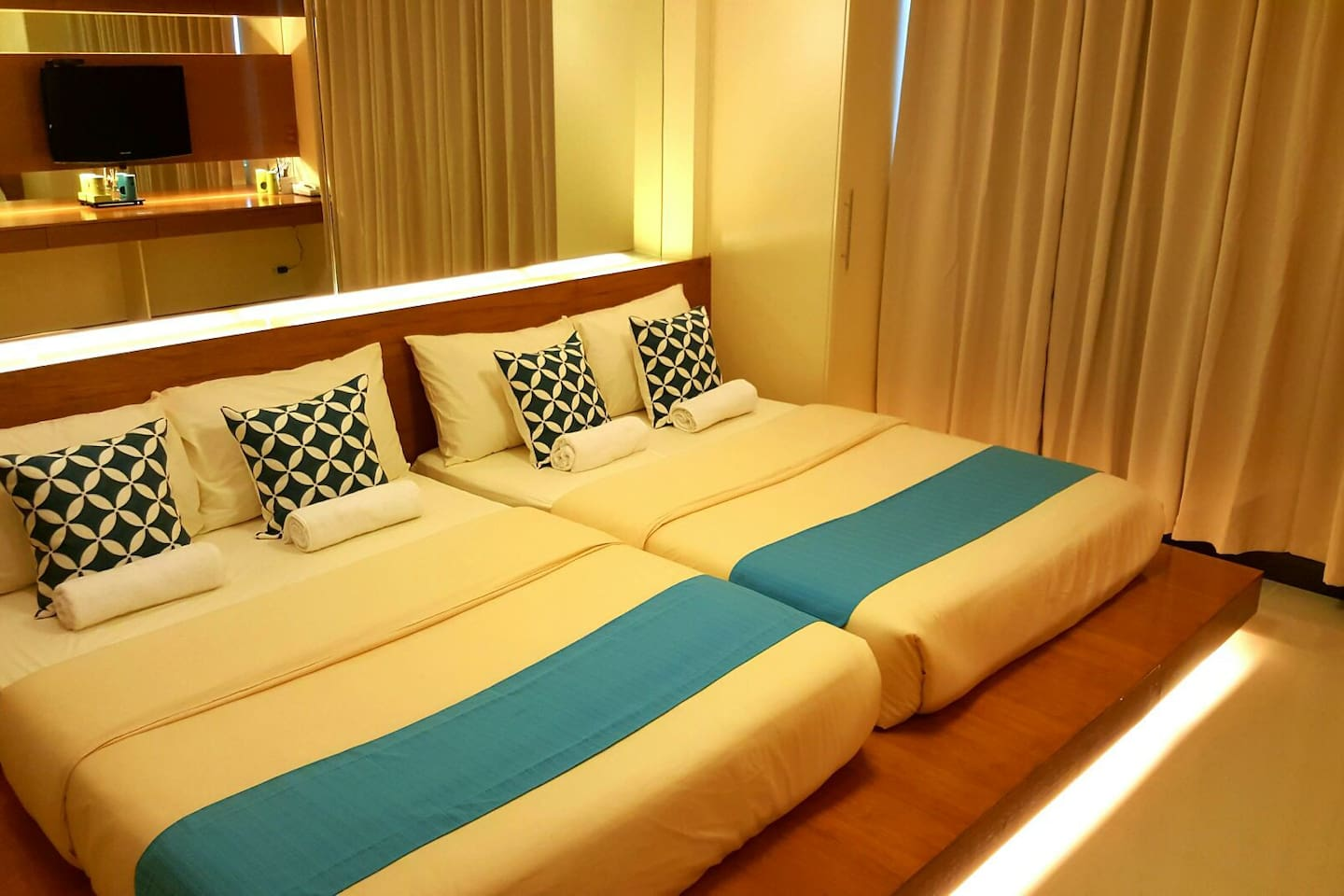 Studio Type Unit with 2 Full Beds, entire unit is for the exclusive use of guests.