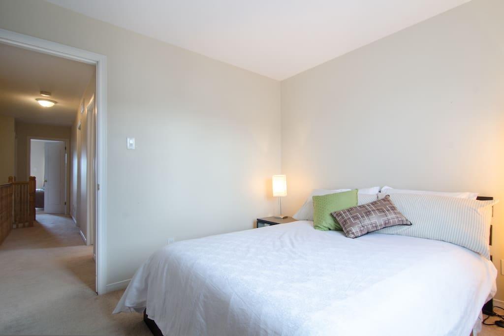 Belle chambre dans condo moderne appartements louer for Chambre a louer a ottawa