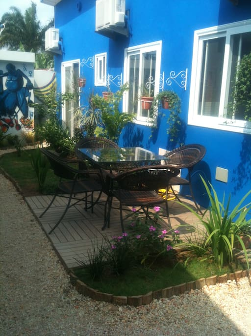 Jardin Majorelle... Cotonou ! Furnished house for rent in Cotonou.