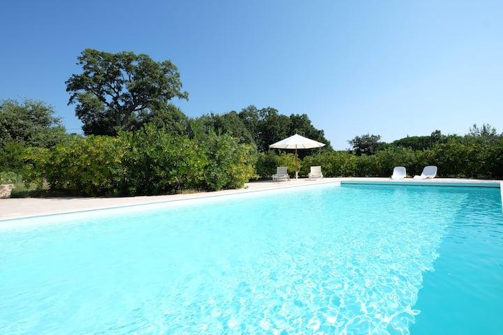 Superbe villa privée avec parc et piscine