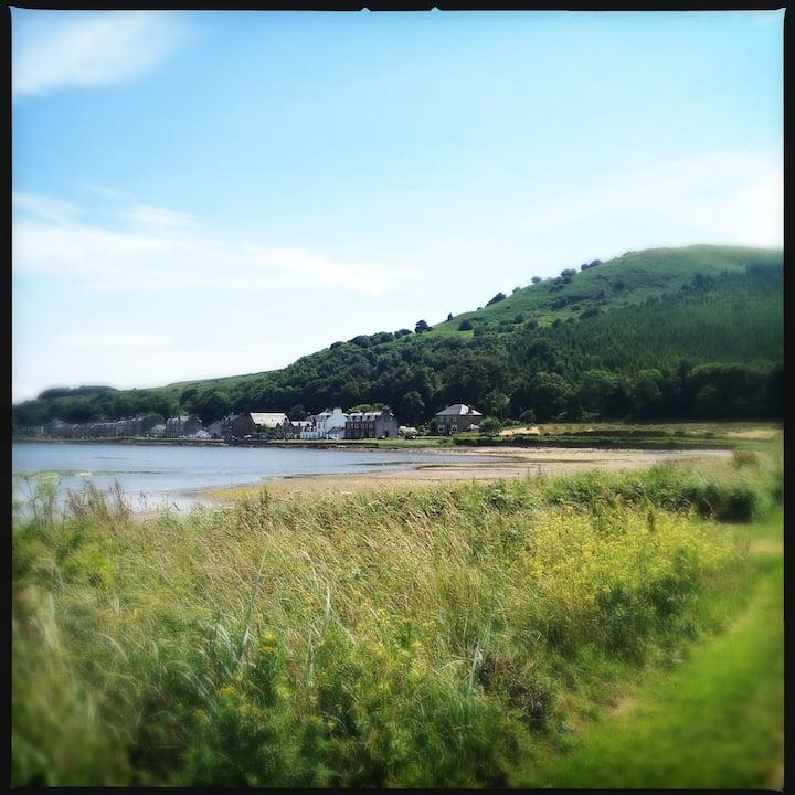 Bute, Kilchattan Bay seaside home