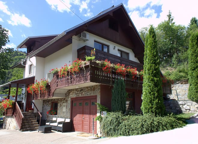 Dream Apartment Rosa 5 Bled * * * - Bohinjska Bela - Departamento