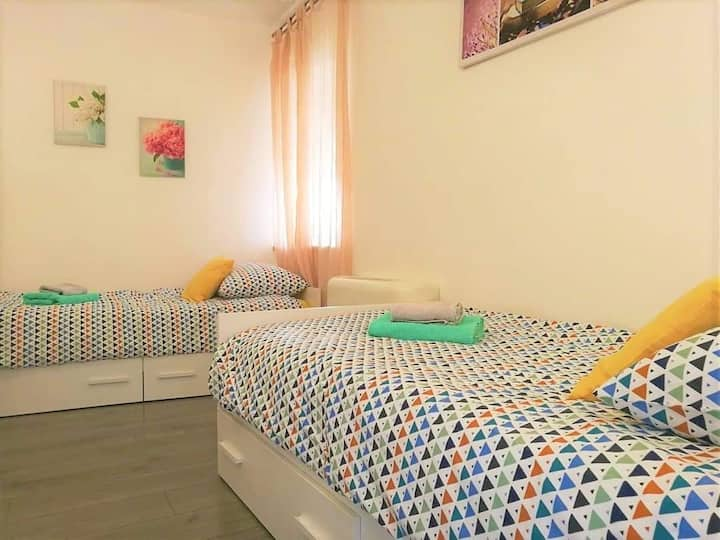 2single beds_ROOM Hum/Kotle