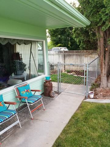 Side yard entrance