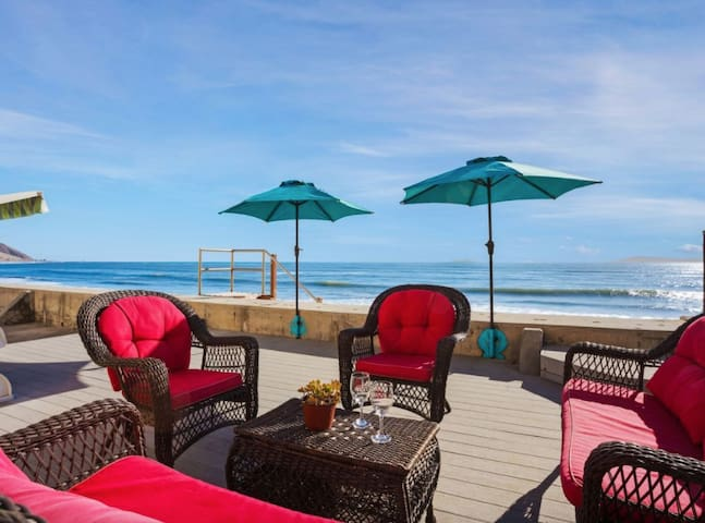 Endless Summer! Large Family Friendly Beach House!