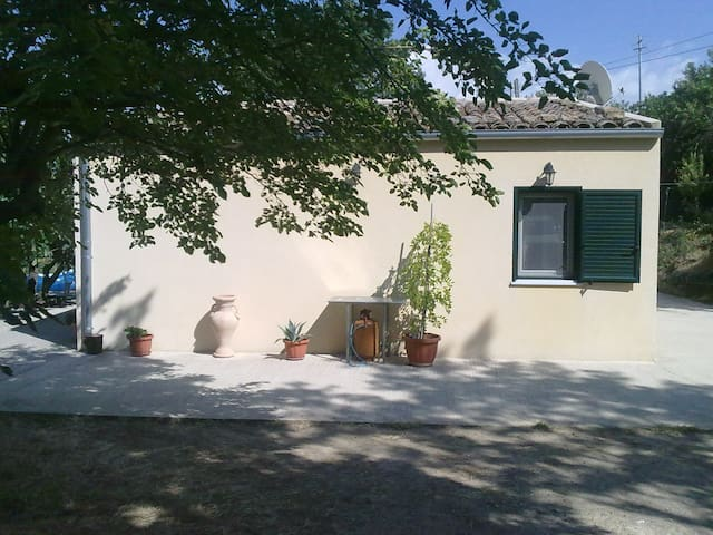 A wonderful cottage in the nature - Gangi - Cabaña