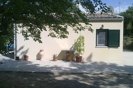 A wonderful cottage in the nature - Gangi - Cabana