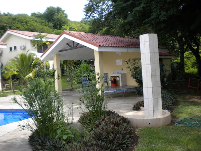 Luxury Condo in Quiet PLaya Ocotal - Playa Ocatal - Apartment