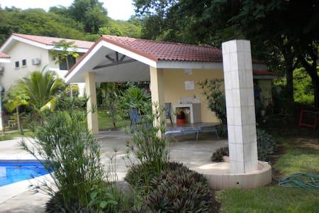 Luxury Condo in Quiet PLaya Ocotal - Playa Ocatal - Wohnung