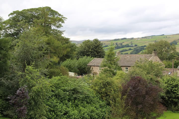 Tranquil Teesdale former farmhouse accommodation