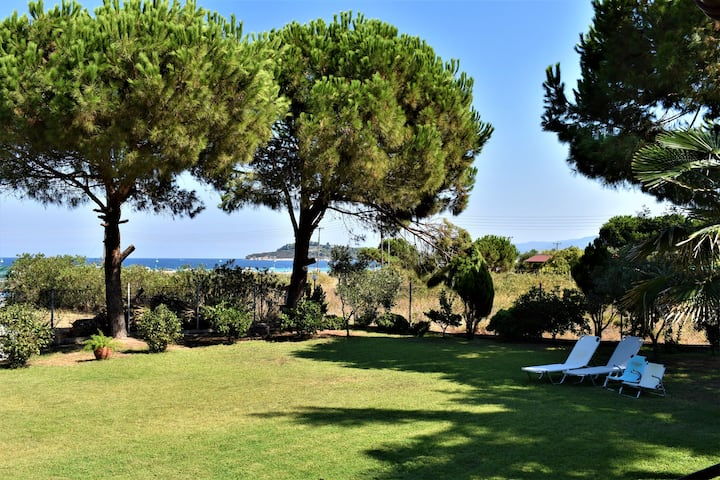 Contra Mare Villa (80 meters by the sea)