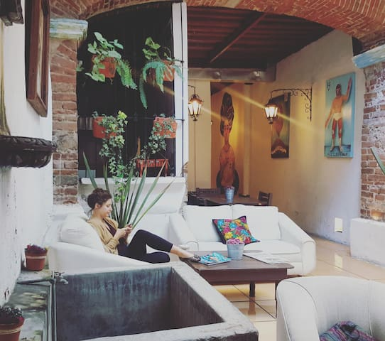 Cozy building in City Center Shared Female Dorm ! - Heroica Puebla de Zaragoza - Apartamento