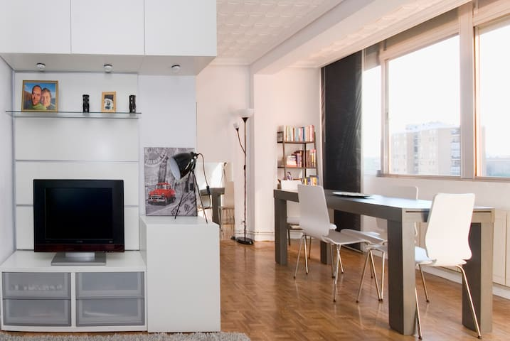 The Mad B&B - Cool 3BD with Wifi - Madrid - Daire