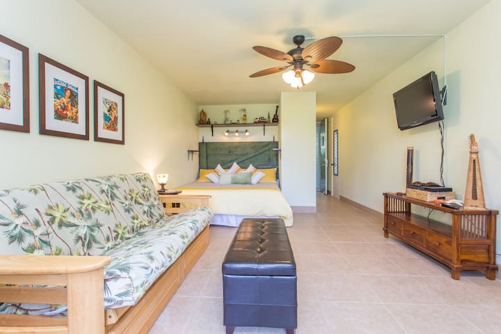 Oceanfront in the Heart of Konatown - Kailua-Kona - Daire