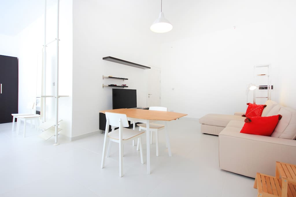 White Room (open plan apartment) at Two Pillows