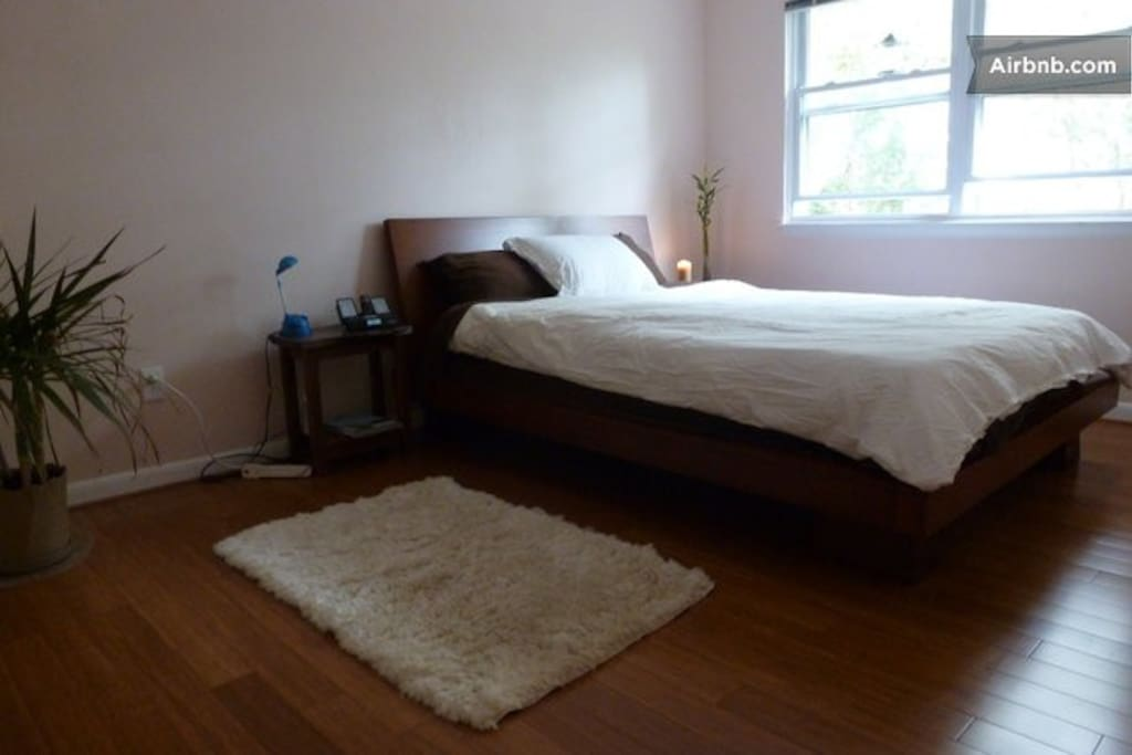 Room #1 Organic Latex Mattress! Bamboo floors, option to have twin size mattress on floor.