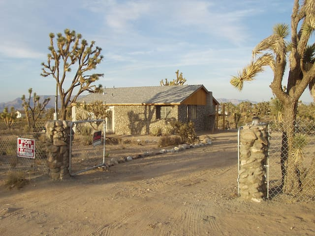 Custom Home in Dolan Springs - Dolan Springs - Hus