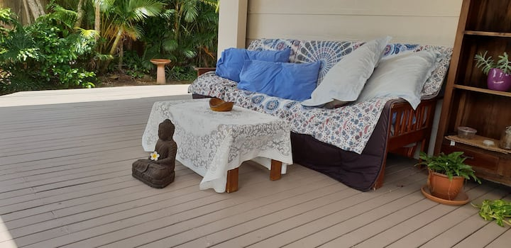 Cabarita Getaway: private studio with own entrance