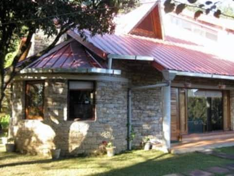 WFH Ready - Rays Himalayan  Luxurious  Cottage