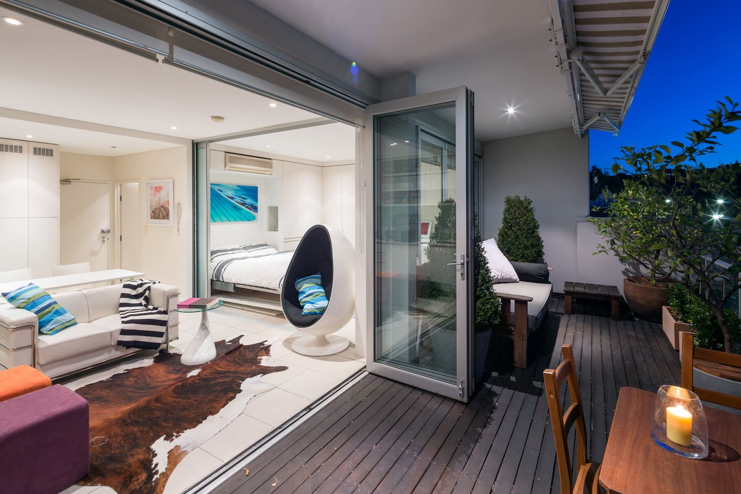 Stunning indoor/outdoor living with huge deck and daybed...