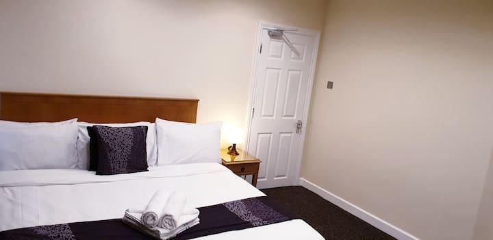 4 Bedroom Apartment, Close To City Centre