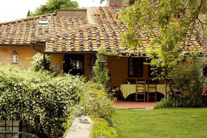B&B Le Tre Colombe  - Bagno a Ripoli - Bed & Breakfast