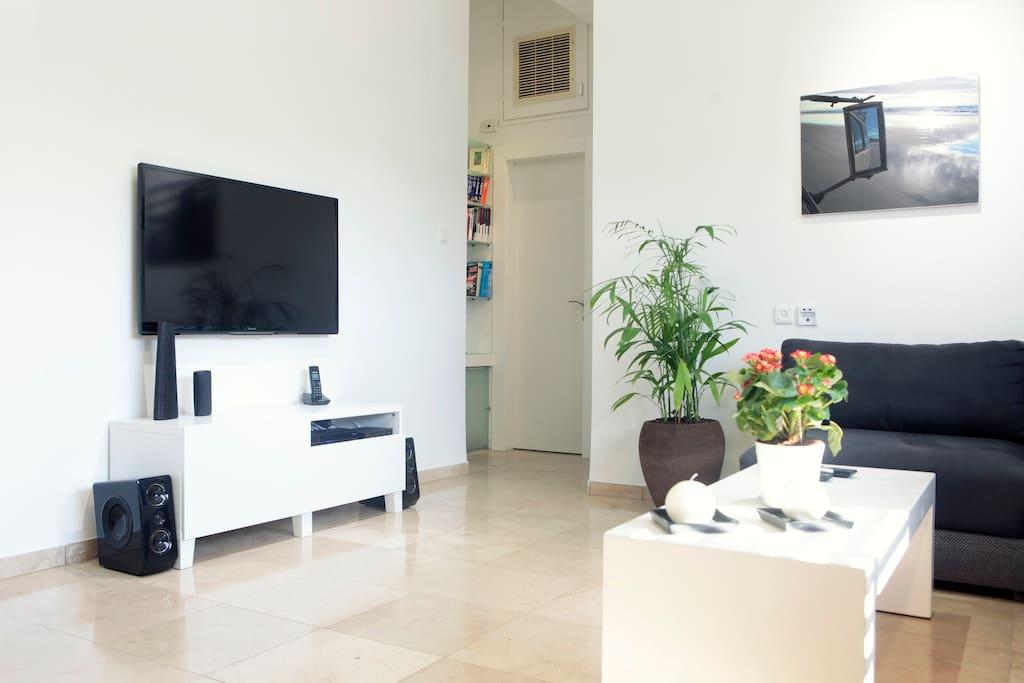 1st floor- living room
