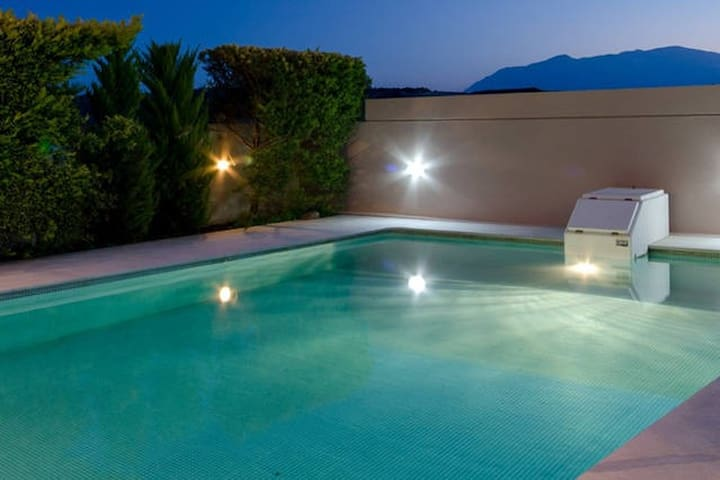 Luxury Messonette with Private Pool - Iraklio - Villa
