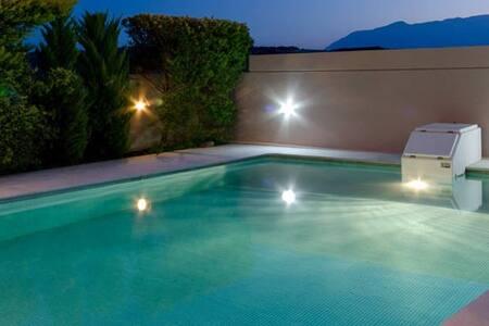 Luxury Messonette with Private Pool - Iraklio - Villa