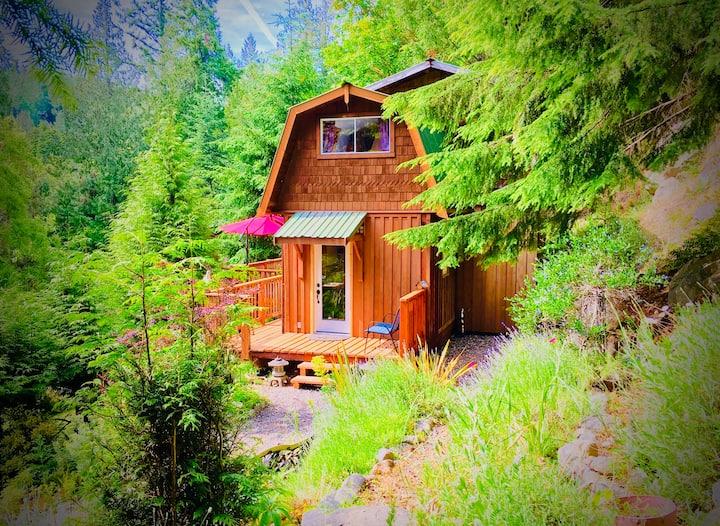 Shangri La Retreat - Cabin in the woods