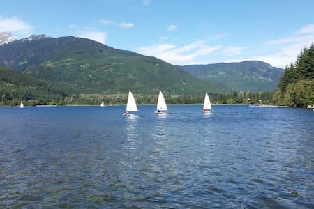 2 BR Whistler Lakefront Condo - Walk to Village