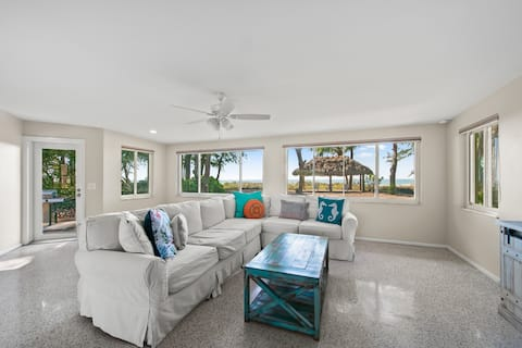 Chasing Waves - Adorable Vintage Gulf Front Cottage - Steps to Beach
