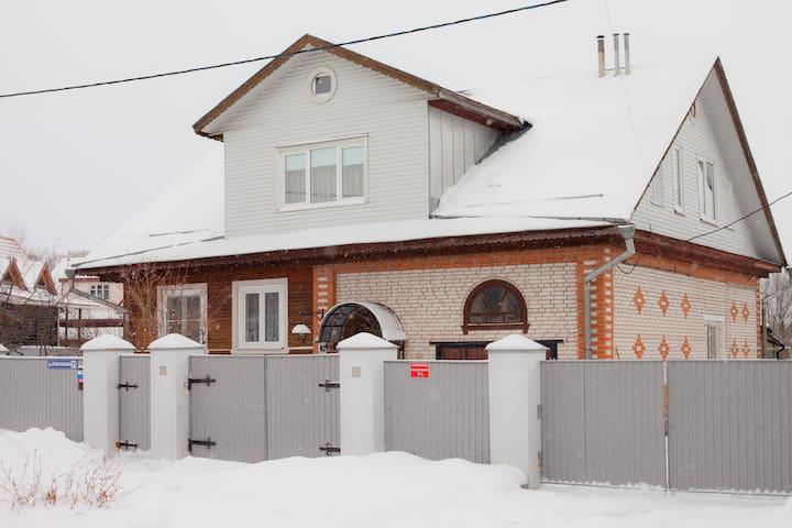Гостевой дом Ваш Суздаль - Suzdal' - House