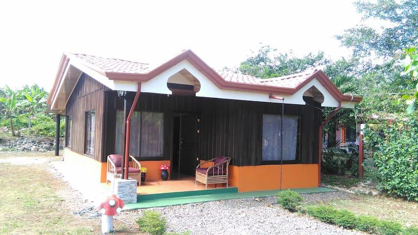 """Casa de campo """"El Artista"""" - Valle Azul - Rumah"""