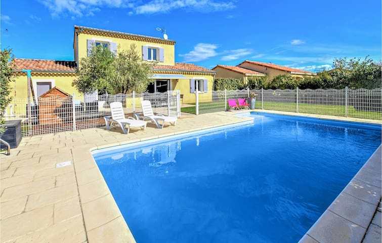 Holiday cottage with 5 bedrooms on 130m² in Cléon D'Andran