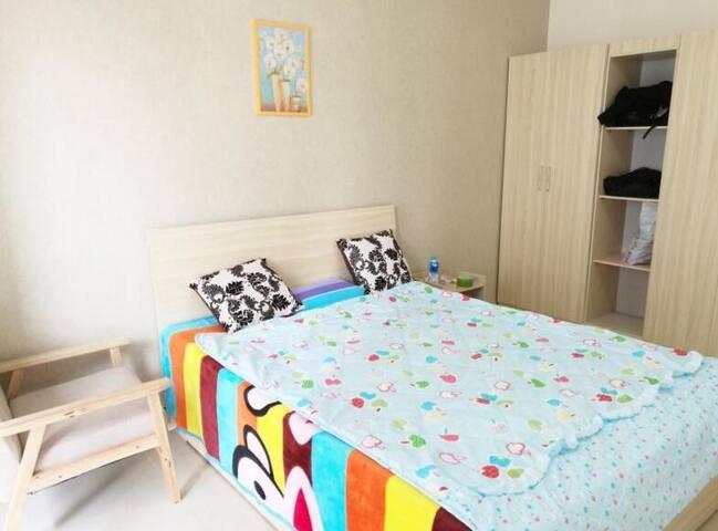 Bright Private Ensuite room