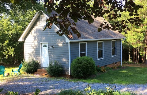 Forest Acres Cottage - 15 mins from TIEC